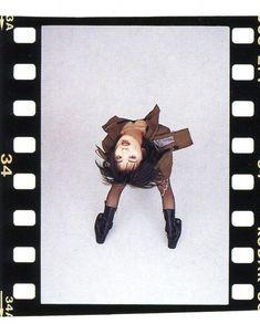 Pose Reference Photo, Drawing Reference, Cranes In The Sky, Shiina Ringo, Aesthetic Revolution, Art Folder, Grad Pics, Grunge Photography, Photoshoot Inspiration