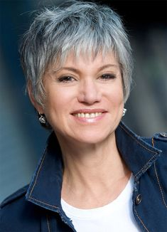 The Short Pixie Cut - 58 Great Haircuts You'll See for 2019 - Hairstyles Trends Short Silver Hair, Funky Short Hair, Short Blonde Bobs, Very Short Hair, Edgy Hair, Short Hair Cuts, Short Hair Styles, Short Grey Haircuts, Great Haircuts