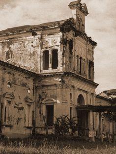 Old hospital in Granada, Nicaragua
