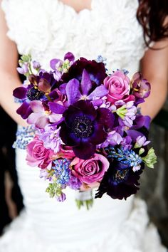Shades of purple ~ 12 Stunning Wedding Bouquets - 26th Edition | bellethemagazine.com