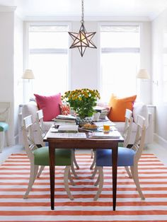 love the colors, but most of all love that star light fixture, always have thought they were sooo cool.