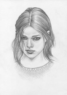 Girl with mysterious look | youngdrawings.com  #mysterious #look #beauty #PencilPortrait