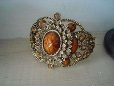 Bracelet rétro : 13.50 € D'autres bijoux sur : https://bijoux-retro-vintage.com
