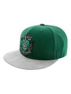 If Hogwarts took an unexpected turn into the 21st Century, we reckon that these snapbacks would make their way into the uniform! If you were sorted into Slytherin House, this emerald green and grey hat will complete your potentially evil look! Features the serpent crest symbol embroidered on the front and the Harry Potter logo on the back. Official merchandise. Free UK Delivery on orders over £50