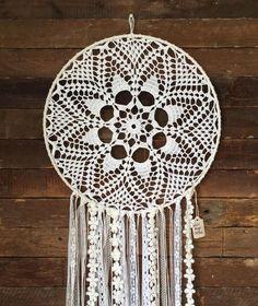 03da9a28b88e53e4e4311d21b3a4884c--crochet-doilies-white-feathers.jpg (736×876)