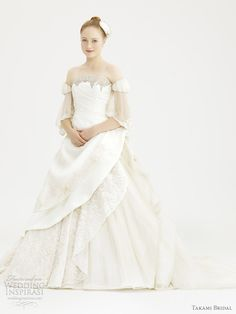 I seriously can't get enough of these beautiful dresses!royal wedding dress 2012 giovanni