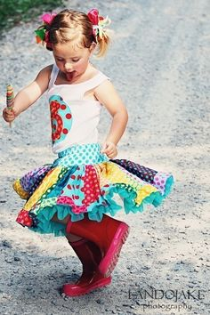 polka dot twirly skirt .. So cute! I'd love to have one of these.