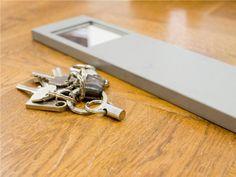 賃貸でもOKなDIY棚作り。「PILLAR BRACKET」で空間を自由にデザインしよう! | キナリノ Cufflinks, Accessories, Ornament