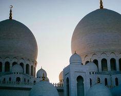 "15 Likes, 2 Comments - Fun Desert Safari (@fundesertsafari) on Instagram: ""#Repost @elizwent ・・・ Today's backdrop 🌙 #AbuDhabi #GrandMosque #architecture #vsco…"""