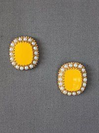 Not so mellow yellow! Yellow Earrings, Stud Earrings, Pearl Love, Yellow Pearl, Mellow Yellow, Diamond Are A Girls Best Friend, Swagg, Fashion Earrings, Trendy Fashion