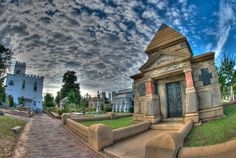10 Historical Graveyard Tours Across America  - CountryLiving.com