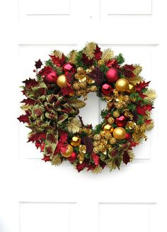 Christmas Wreath / Burgundy and Gold by englishrosedesignsoh