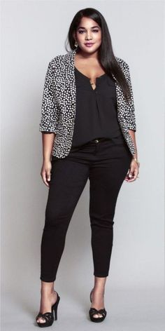 Polka dot blazer outfit for plus size womens Casual Work Outfits, Blazer Outfits, Mode Outfits, Work Attire, Stylish Outfits, Fashion Outfits, Curvy Work Outfit, Office Outfits, Womens Fashion