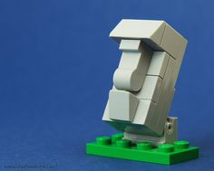 Microscale   Micro Moai   by Kristi (Custombricks) https://www.flickr.com/photos/custombricks/11418067004