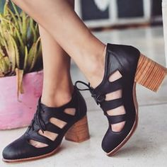 These ✵⊰M O O N L I G H T⊱✵ booties will last you a lifetime || order online www.balielf.com
