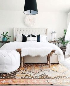 Bohemian Master Bedroom with Neutrals for New Couple. Elegant Bohemian Master Bedroom with Neutrals for New Couple. Pin by Leyla El Dik On Master Bedrooms Decor Bohemian Bedroom Decor, Home Decor Bedroom, Bedroom Furniture, Bedroom Ideas, Bedroom Inspiration, Furniture Plans, Kids Furniture, Budget Bedroom, Black Furniture