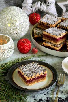 Sünis kanál: Meggyes-diós kocka Hungarian Desserts, French Toast, Breakfast, Traditional, Dios, Morning Coffee
