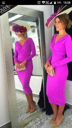 Simple Mother of the Bride Dresses 2019 Below Knee Length Women Long Sleeves V-Neck Fuchsia vestido de madrinha farsali farsali – fashion Kentucky Derby Outfit, Kentucky Derby Fashion, Derby Outfits, Races Outfit, Dress Silhouette, Party Gowns, Party Dress, Mode Style, Ladies Day