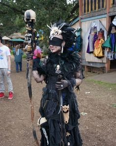 Death priestess at the Minnesota Renaissance Festival. Renaissance Festival Costumes, Renaissance Clothing, Renaissance Fair, Larp, Warlock Costume, Wildling Costume, Barbarian Costume, Witch Doctor, Necromancer