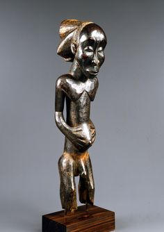 Luba Nkuvu Ancestor Figure singiti Attributed to the Master of Buli Luba peoples, Nkuvu sub-group, Democratic Republic of the Congo Wood Mid-19th century Height: 72 cm