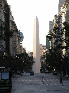 Vista del Obelisco desde la Avenida de Mayo