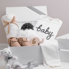 The Baby Gift Box Unique baby gift opinions for toddlers.... #swaddle #babyblanket #affiliate #babygiftset Baby Girl Gift Sets, Baby Gift Box, Baby Box, Baby Girl Gifts, New Baby Gifts, Baby Shower Baskets, Baby Shower Gifts, Baby Hamper, Unique Baby Gifts