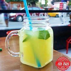 Taptaze limonlar ve dilerseniz nane ferahlığı, hafta sonu keyfinize çok yakışacak! 🍋 #AbbasWaffleAnkara #AbbasLimonata