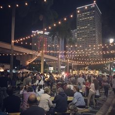 Thanks to everyone who came out for the #BiscayneGreen last hurrah! You were one of 17,000+ people to enjoy the temporary park. Here's to our wonderful partners, and making it permanent in the near future! @downtownmia @knightfdn @prismcreative.group @moonlightermiami  #pavementtoparks #streetsasplaces #tacticalurbanism #placemaking #Miami