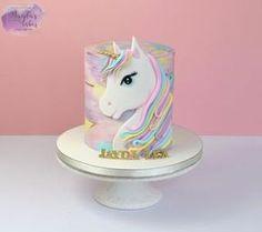 Unicornio - pastel de Magda & # s Cakes (Magda Pietkiewicz) - CakesDecor - Isalie kuchen - Pastel de Tortilla Mini Cakes, Cupcake Cakes, Unicorn Birthday Parties, Birthday Cake, 4th Birthday, Pony Cake, Salty Cake, Savoury Cake, Drip Cakes