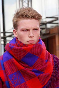 Not gonna lie, i kinda want a scarf of this size .... Louis Vuitton Spring/Summer 2012 Menswear Collection