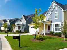 Florida's housing market had more closed sales, higher median prices, more new listings, fewer days on the market, and a slight uptick in inventory during the first quarter of 2015. Our state's population is increasing, more jobs are available, and the economy is growing - all signs of the strong housing market! #flhousingmarket #floridarealestate #floridarealtors #metroblog