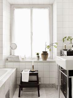 Bathroom, white, tile / Dream Apartment / Only Deco Love Diy Bathroom Storage, Home, Dream Bathrooms, Dream Apartment, Elle Decor, Bathroom Inspiration, Interior, Simple Bathroom, Laundry In Bathroom