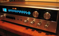 silver knobs + blue lights = happy....pretty sure I had this exact stereo