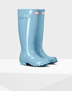 The Original Tall Gloss features the same elements the iconic Original boot, finished in a high-gloss appearance.