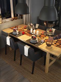 IKEA Österreich, Inspiration, Weihnachten, Christmas, X-Mas, Esstisch NORDEN, Hängeleuchte HEKTAR, Geschirr DINERA, Tischläufer JULFINT, Armlehnstuhl NILS
