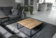 Salontafel rustiek eiken en staal. Coffee table oak and steel