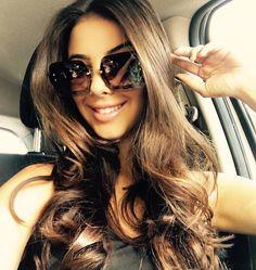Nosso #bomdia vai com um lindo clique da #blogger #raizamarinari com seu novo #miumiu ᎪᎡᎡᎪᏚᎾᏌ!! #newcollection #sunglasses #janaslojas