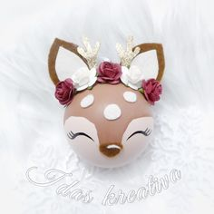 🌟Close-up on the deer christmas ball🌟 I have a couple left for sale, Im going to keep at least one for my self 😉❤️ Deer Ornament, Diy Christmas Ornaments, Handmade Christmas, Christmas Decorations, Holiday Decor, Christmas Deer, Christmas Balls, Felt Crafts Diy, Quick Crafts