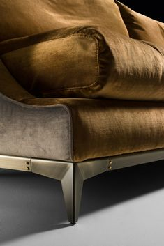 Find luxury sofas of the finest quality and design at Juliette's Interiors. A large collection of contemporary Italian designer furniture. #luxuryfurniture