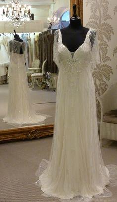 Je vends ma robe de mariée modèle Parma Opal, de Jenny Packham.  (Marque chiquissime, vue à l'écran dans « Sex and the City », « Le Diable s'habille en Prada » ou dans les James Bond « Casino Royale » et « Meurs un Autre Jour »,