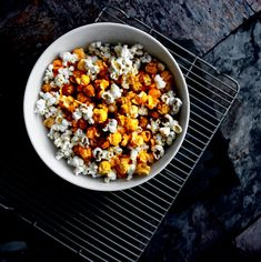 "Homemade Chicago-style Popped Corn | ""A Bachelor and His Grill"""