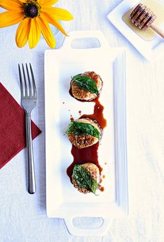 Ingredients   6-8 Large fresh Maine sea scallops (packed dry scallops not soaked in water)3 Tbs Sesame seeds2...