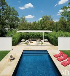 Modern Pool by Cadwallader Design and Buchanan Architecture in Dallas, Texas