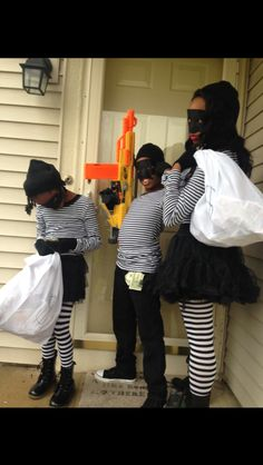 Our DIY Halloween bank robber costumes