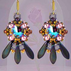 Enchanted Rose Earrings Free Beading Pattern with 2-hole Daggers and Swarovski Rivoli