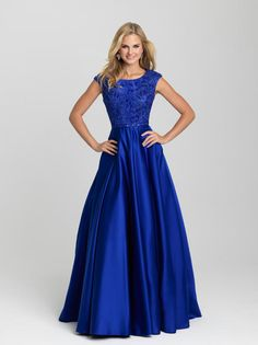 Madison James Modest. prom 2016. prom dress shopping. prom styling. makeup and hair ideas for prom. long, royal blue a-line prom dress.