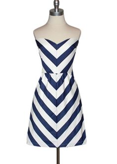 I need this judith march chevron dress! Navy Chevron, Chevron Dress, Stripe Dress, Navy Stripes, Couture, Summer Outfits, Cute Outfits, Look Girl, Dress P
