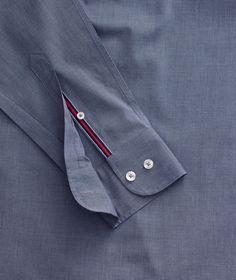 Mens Clothing Trends, High Collar Shirts, Formal Shirts For Men, Mens Designer Shirts, Swag Outfits Men, Denim Shirt Men, Mens Fashion Suits, Well Dressed Men, Cool Shirts