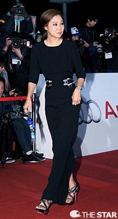 [Photos] Red Carpet : 34th Blue Dragon Film Awards