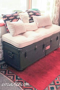 vintage military ammo trunk bench + orange kilim rug by Circa Dee… – Home Decor Old Trunks, Vintage Trunks, Trunks And Chests, Trunk Makeover, Furniture Makeover, Diy Furniture, Trunk Redo, Trunk Furniture, Vintage Suitcases